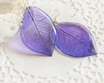 Purple transparent leaf earrings • Summer violet resin jewelry • Woodland earrings • Fairy nature jewelry • Unusual girlfriend gift for her