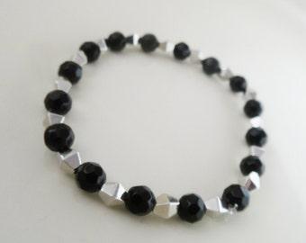 Beaded Bracelet. Black and Silver. Handmade.