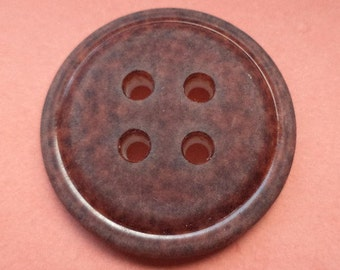 4 large buttons Brown 31 mm (4889)