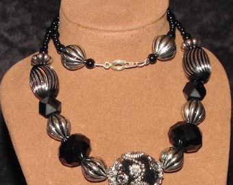 "16"" Handmade Beaded Necklace (PH44)"