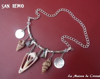 Necklace with nacre shells and crystal with silver chain