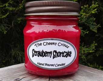Soy Wax Candle, Strawberry Candle, Scented Candle, Strawberry Shortcake Candle, Scented Soy Candle, Paraffin, Summer Candle, Dessert Candle