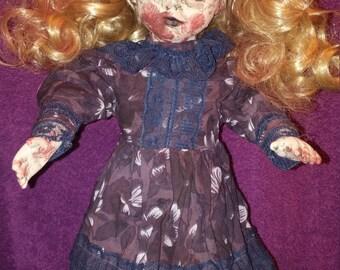 Sally the Zombie Girl