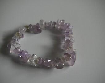 Light amethyst crystal stretch bracelet