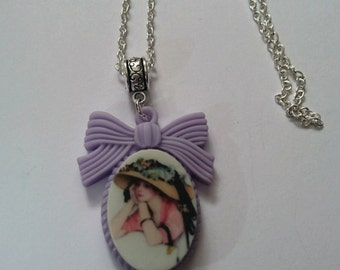 The thinking lady necklace
