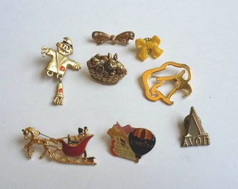 Vintage lapel pins lot, vintage pins, vintage plastic bow pin
