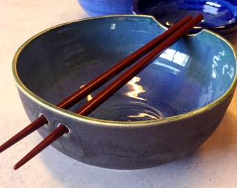 Handmade Stoneware Noodle Bowl with Chopstick Rest