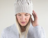 Textured Cable Knit Hat with Faux Fur Pom Pom// Blend of Merino Wool & Premium Acrylic// Beige Colour