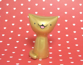 Lucky Gold Kitty Figurine - Collectible Miniature Resin Figure