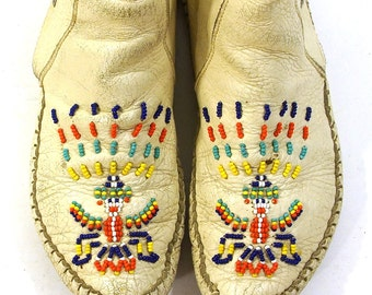 1970s Moccasins with Sterling Silver Conchos / Vintage 70s Beaded Thunderbird Ankle Moccasins in White Leather / Women's Size 6.5