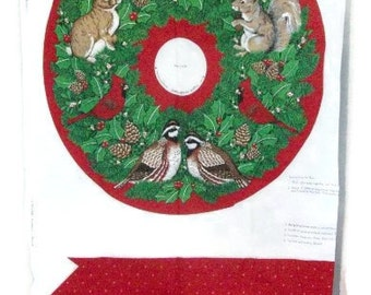 DIY Fabric Panel Christmas Wreath Cut-Out | V.I.P.Screen Print Wildlife Wreath