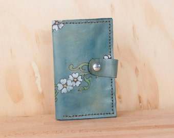 iPhone 6 Wallet -  Leather iPhone 6 Plus Case in the Willow pattern with flowers and vines - White, green and blue - iPhone 5 6 or 6+