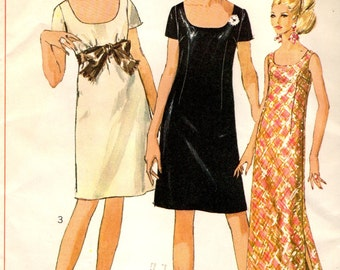 Simplicity 7384 Mini or Maxi JIFFY Gown with Low Round Neck Bust 36 ©1967