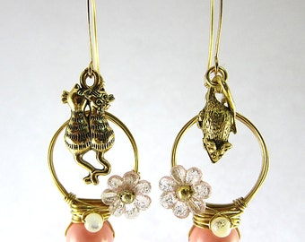 Cats And Mouse With Pink Swarovski Pearls Earrings Kitten Kitty Flower Shell Pearls Pet Garden Wild Animal Home Nature Cute