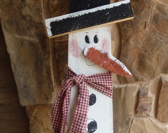 Handcrafted Wooden Cedar Picket Snowman Door/Wall Hanger/Winter/Seasonal Home Decor/Handpainted