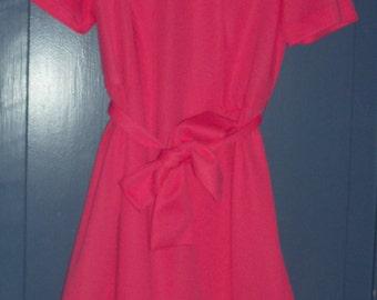 De Leon Vintage Dress Pink Ruffled Dress Polyester XL Dress Size 16 1/2 Princess Pink Dress Dark Pink XL Vintage Ruffled Dress with Belt