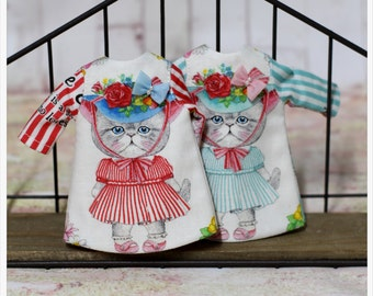 LADYBIRD HOUSE Blythe Outfit Red Stripe Cat Dress