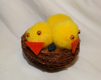 Rare Vintage Crazy Eyed Chicks in a Basket, Peep Decoration, Circa 1960's Easter Basket Decoration, Straw Basket, Yellow Peeps