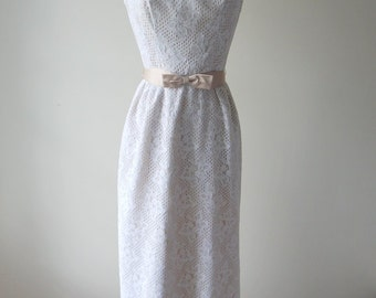Mary, Mary put on your white lace dress | 1960s lace dress • vintage 60s dress