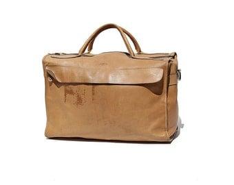 Vintage Tan Leather Travel Bag / Weekend Travel Bag / Overnight Bag