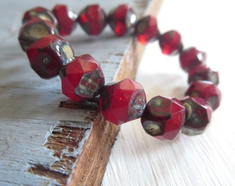 red czech glass beads, central cut , baroque faceted bicone nugget shape, opaque with picasso finish  8mm / 15 beads  6AZ1163