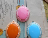 large plastic colorful pendants - vintage mod stripes - PINK - vintage old new stock