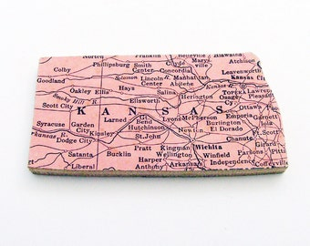 Kansas Brooch - Pin / Unique Wearable History Gift Idea / Upcycled 40s Straus Wood Jigsaw Puzzle Piece / Timeless Gift Under 25