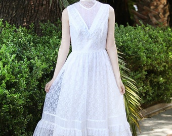 Vintage by AsA -- 70s GUNNE SAX simple tea-length wedding dress XS