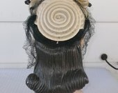 1940s Vintage Cream Color Horse Hair Hat with Loops and Veil