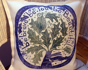 linocut, Be Brave, oaktree, cushion cover, navy blue, turquoise green, decorative pillow, owl, hare, acorn, home interior, 18x18 inches