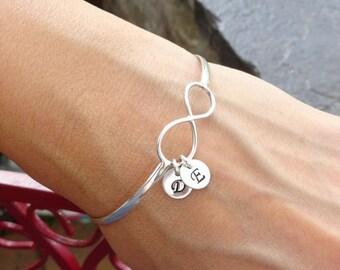 Personalized friendship bracelet, infinity bangle bracelet, mothers bracelet, initial bracelet, personalized bangle, infinity jewelry