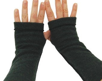 Arm Warmers in Darkest Forest Green - Recycled Merino Wool - XS/S