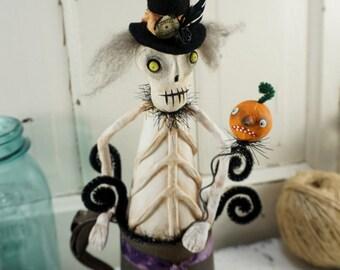 Halloween Decor / Halloween Folk Art / Skeleton / Vintage Style Halloween Decoration / Antique Tin / Primitive Halloween / Art Doll