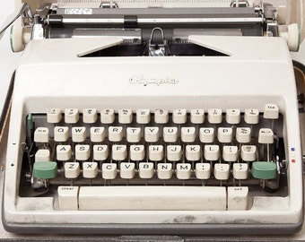 Vintage Teal and Tan Olympia De Luxe Typewriter