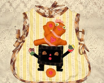 gingerbread girl play apron sized for 3- 5yrs
