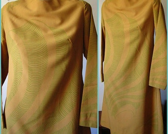 Vintage 60s Long Sleeved Tan Dress with Green Organic Design