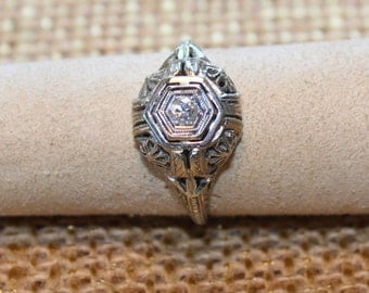 18k White Gold Art Deco Diamond Ring Filigree