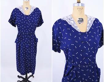 """1940s novelty dress   navy blue bow tie novelty print dress   vintage 40s dress   W 32"""""""