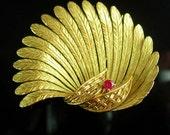 18kt GOLD Gubelin Fur Clip Genuine ruby Vintage pin hallmarked Swiss designer FINE  luxury jewellery july birthstone 15th 40th anniversary