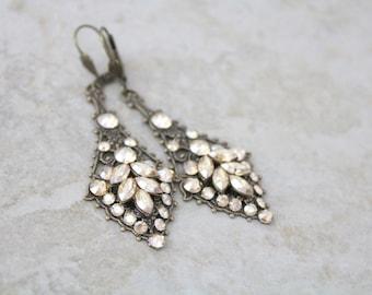 Antique Gold Wedding earrings, Art Deco Bridal earrings, Bridal jewelry, Swarovski crystal earrings, Chandelier earrings, Vintage style