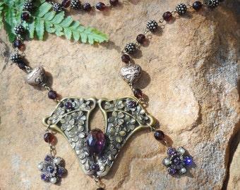 Vintage Art Nouveau Necklace--Amethyst Glass