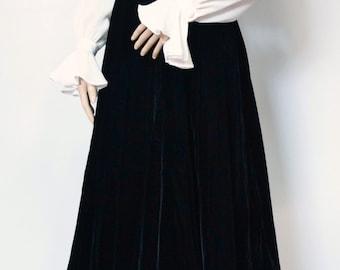 Vintage Skirt Velvet Skirt 1980's Vintage Black Velvet Twirl Skirt Holiday Party Skirt Designer Skirt Size Small