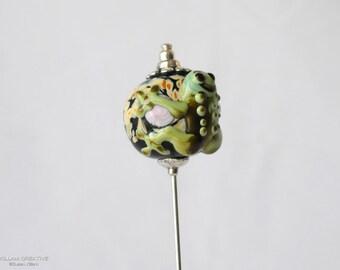 Lamp Work Frog Stick Pin, Hat Pin, Lapel Pin, Hijab Pin, Green, Black, Frog, H0331