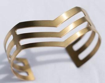 Hammered Cut-Out Chevron Brass Cuff | Adjustable | B21611