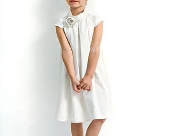 Flower girl dress in white. Short sleeve dress for wedding in organic cotton sateen. Custom wedding dress.