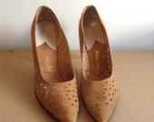 Vintage HOT, 1960's Pinup spike heels.  Stilettos, Rockabilly, Bombshell, Pumps, Caprini Nicholas Ungar high heel shoes.  Size 9 AAA