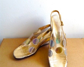 Gold & Silver on Lucite, Vintage 1960 Wedgie heels.  Rockabilly, Bombshell, Pumps, high heel shoes. Size 8 Narrow.