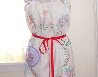 Fun and Unique Vintage Tablecloth Apron, One Size