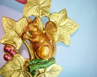 Squirrel Eating A Nut Brooch Gold Tone
