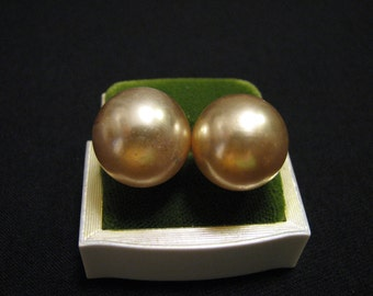 Vintage Round Creamy Faux Lucite Pearl Childs Costume Clip Earrings